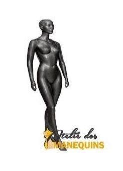Manequim feminino negra