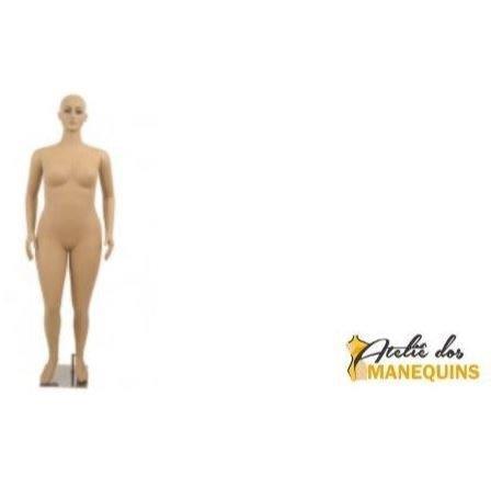 Manequim plus size feminino